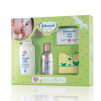 Johnson's Baby Care Collection with Organic Cotton Bib and Baby Comb (5 Gift Items, Green) (box)